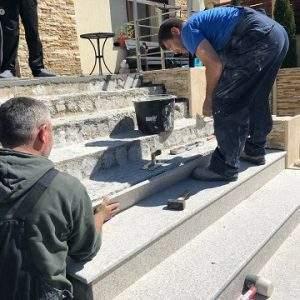 montaj profesional de piatra trepte si pervaze